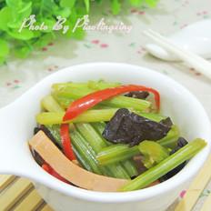 木耳芹菜炒午餐肉