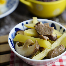 香菇土豆煮肉丸