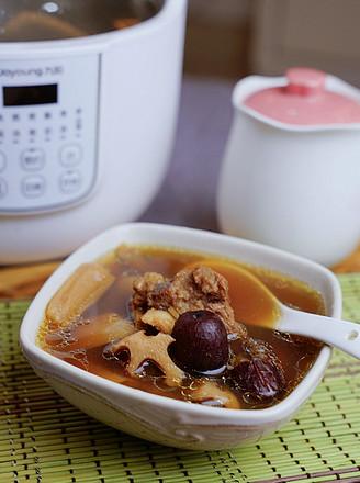 莲藕红枣牛骨汤的做法