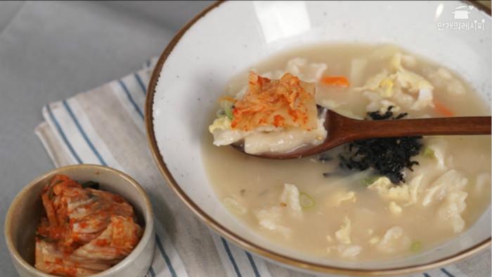 牛骨面片汤的做法