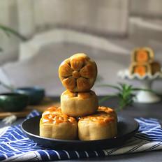 抹茶莲蓉蛋黄月饼