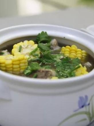 冬季养生-玉米猪骨汤的做法