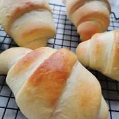 奶酪牛奶面包卷