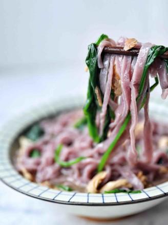 紫薯菠菜面条的做法