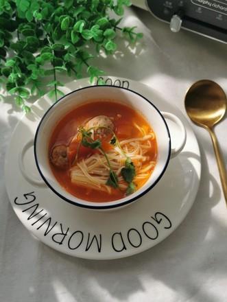 西红柿金针菇肉丸汤的做法
