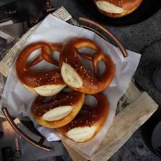 德国碱水面包(普雷结)