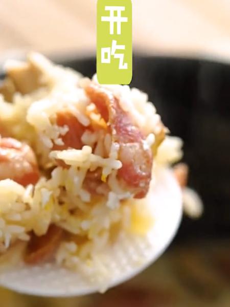 土豆腊肠焖饭成品图