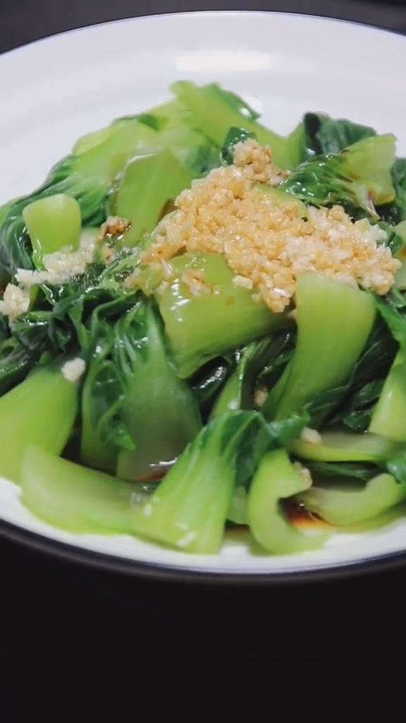白灼青菜成品图
