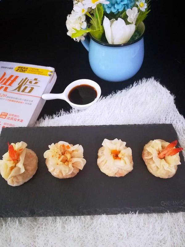 香菇虾仁糯米烧麦成品图