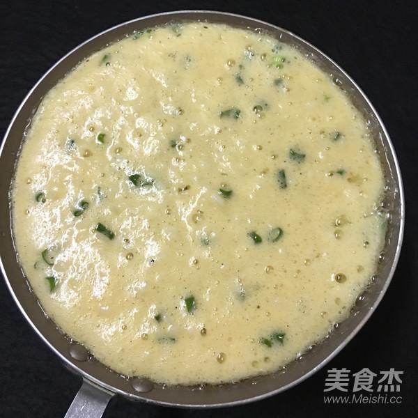 米饭鸡蛋饼怎么做