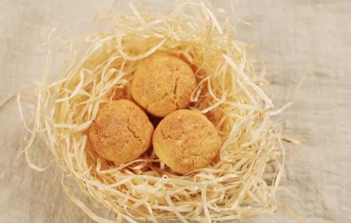 有了这些好吃的黄金椰蓉球,宝贝春节旅途不寂寞成品图