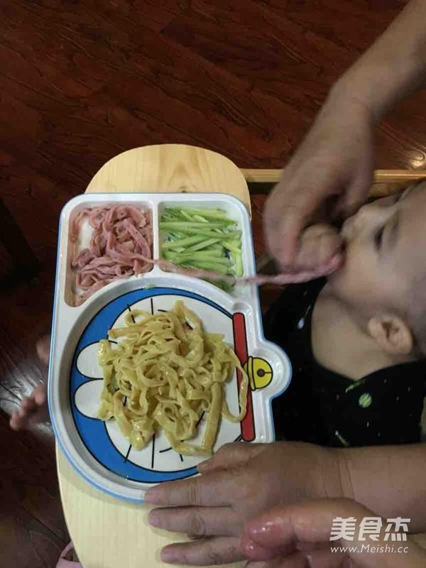 宝宝辅食-彩色面条成品图