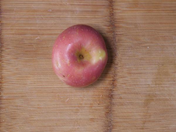 缓解宝宝腹泻的蒸苹果泥 宝宝辅食的做法大全