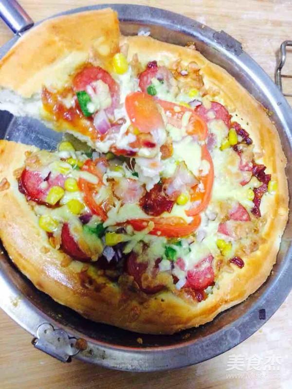 培根火腿披萨成品图
