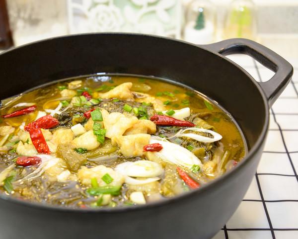 家常酸菜鱼成品图