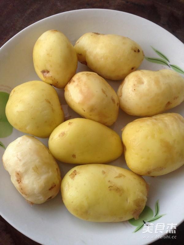 红烧肉炖土豆怎么煸