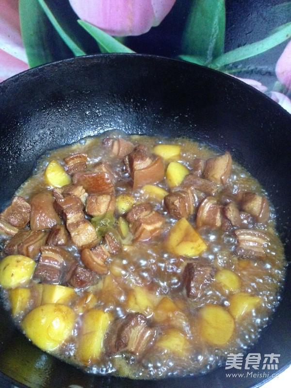 红烧肉炖土豆怎样炒