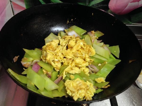 莴笋炒蛋怎样做