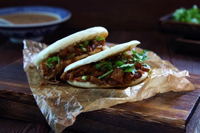 腊汁肉夹馍成品图