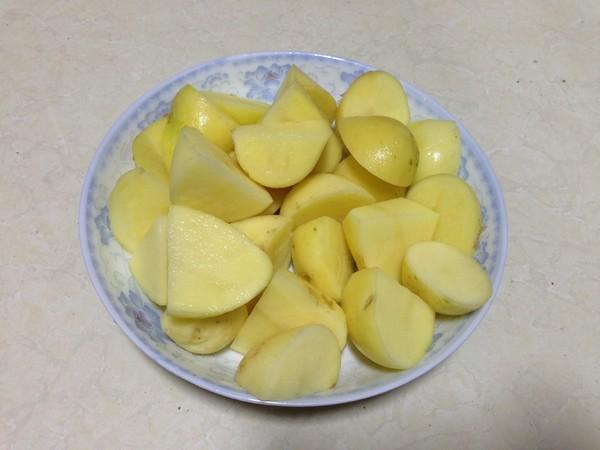 排骨炖土豆怎么煸