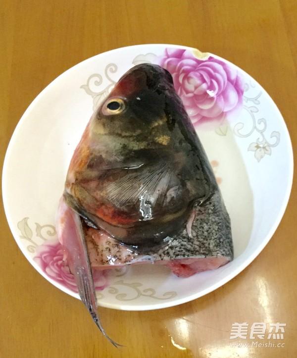 炖鱼头汤的做法图解