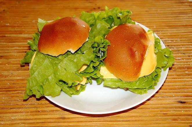 生煎牛排汉堡成品图