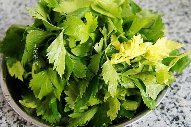 蒜香芹菜叶的做法大全