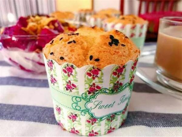 超美味的海绵杯子蛋糕成品图