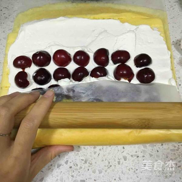 樱桃蛋糕卷的制作