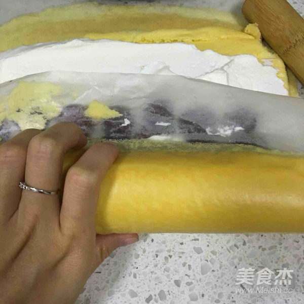 樱桃蛋糕卷的制作方法