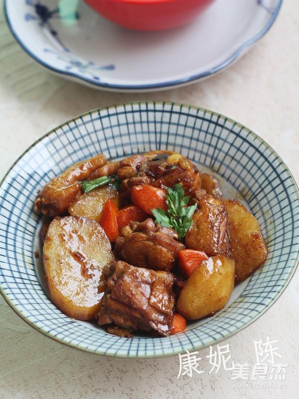土豆烧鸡块成品图