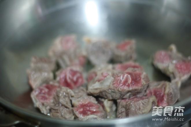 广东红烧牛腩的家常做法