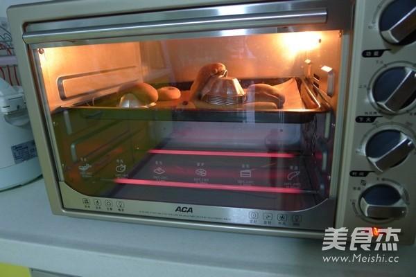 胡萝卜黑麦机车八爪鱼面包怎样煮