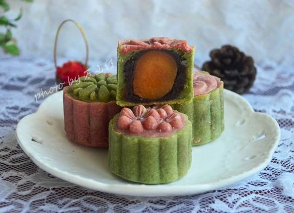 桃山皮赤豆蛋黄月饼成品图