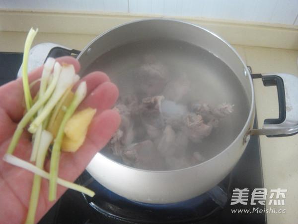 冬瓜猪骨玉米汤的简单做法