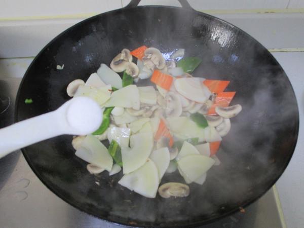 鲜笋蘑菇炒肉片怎么做