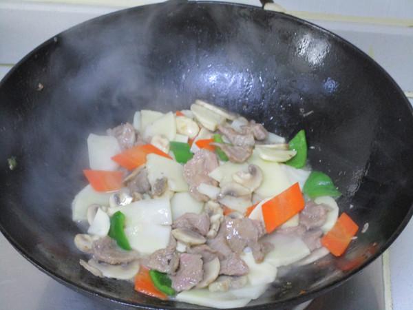 鲜笋蘑菇炒肉片怎么炒