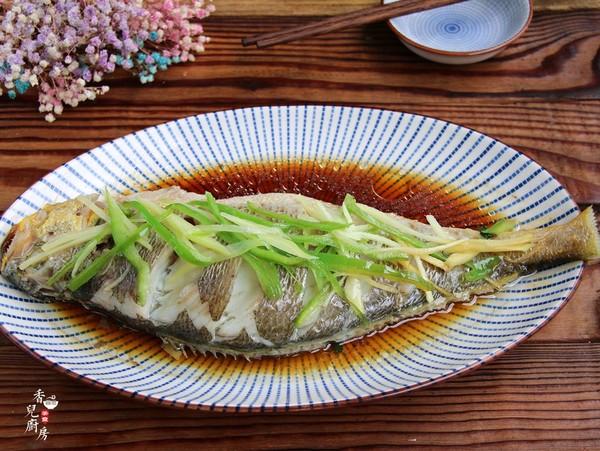 清蒸大黄鱼成品图