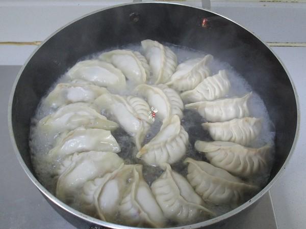 上海鲜肉锅贴怎么炖