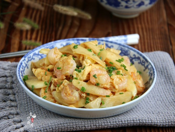 虾仁鸡蛋炒茭白成品图