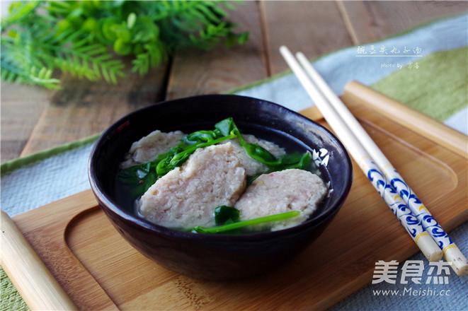 豌豆尖圆子汤成品图