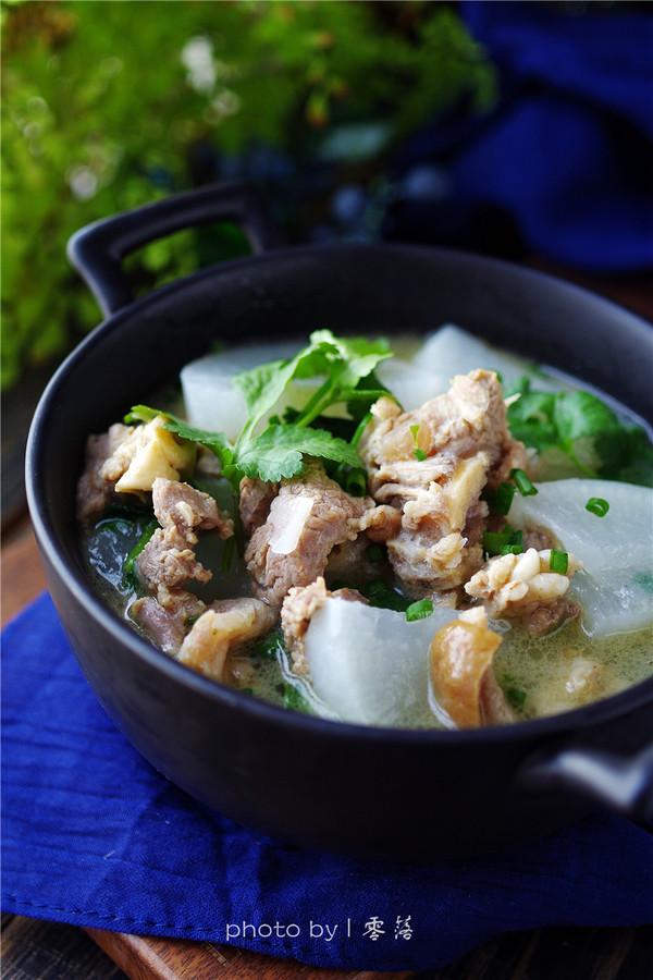 白萝卜羊肉汤成品图