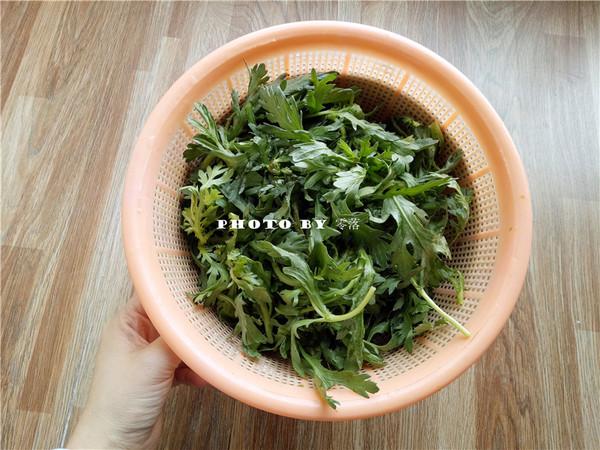 炝炒茼蒿菜的家常做法