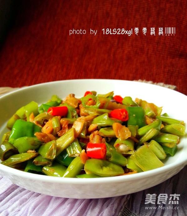 萝卜干炒四季豆成品图