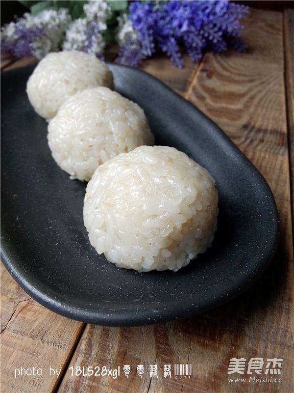 椰浆糯米团成品图