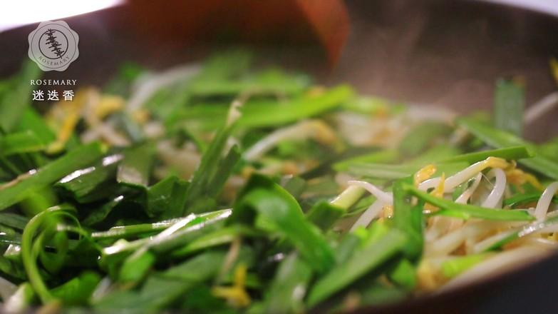 韭菜炒绿豆芽的家常做法