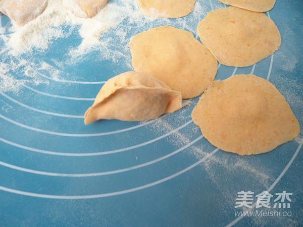 南瓜胡萝卜猪肉水饺怎样煸