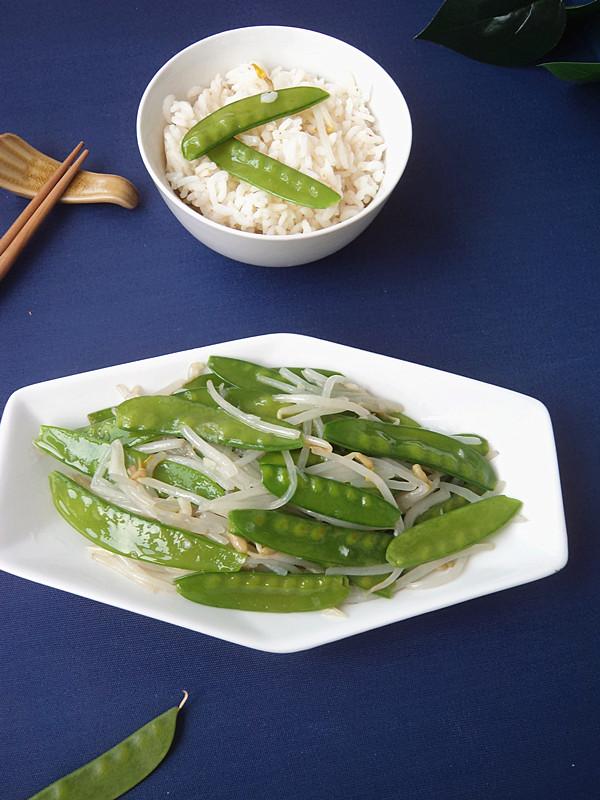 豆芽菜炒荷兰豆成品图