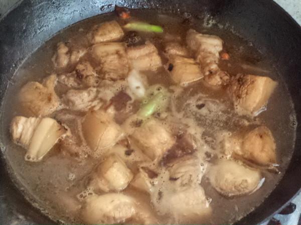 红烧五花肉熏鸡蛋怎么煮