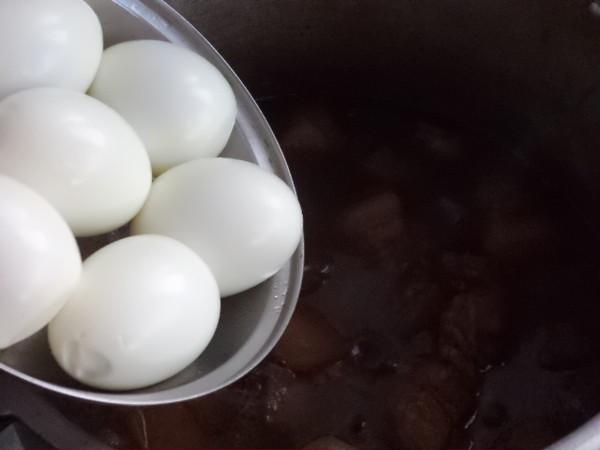 红烧五花肉熏鸡蛋怎样煸